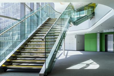提升建筑节能玻璃幕墙的改造分析-中东幕墙