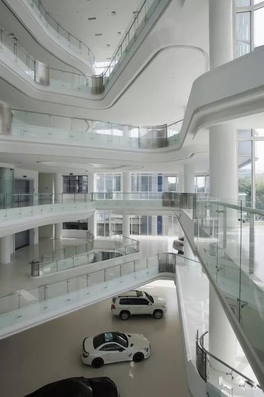 全透明玻璃幕墙汽车展厅