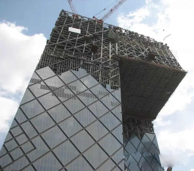CCTV主楼竟用菱形钢结构玻璃幕墙