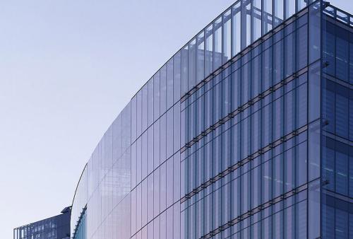 【中东幕墙】具备哪些资质的玻璃幕墙公司可承接幕墙工程?