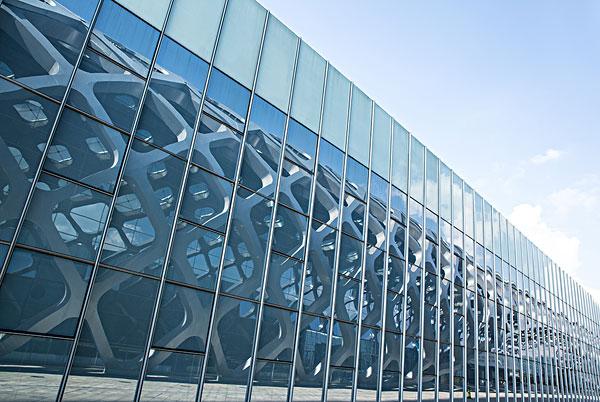 【中东幕墙】单元式玻璃幕墙的优势和特点介绍