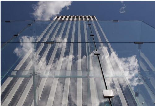 【中东幕墙】告诉你玻璃幕墙的优缺点在哪里