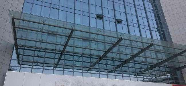 浅谈公共建筑玻璃幕墙防水在老百姓生活中举足轻重的作用【中东幕墙】