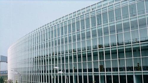 写字楼外墙玻璃具备了这些特点,达到事半功倍的工作效率「中东幕墙」