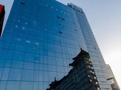玻璃幕墙是什么玻璃-各种性能玻璃满足各类需求-中东幕墙