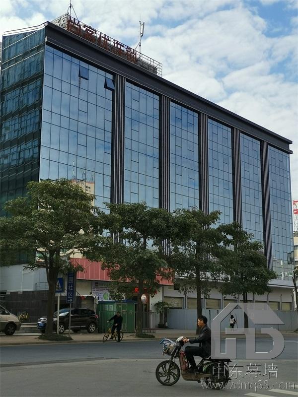 深圳龙岗玻璃幕墙设计施工费用