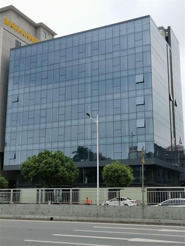 全隐框玻璃幕墙工程安装-中东幕墙