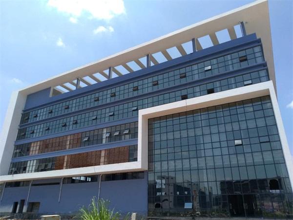 珠海玻璃幕墙承包公司-中东幕墙